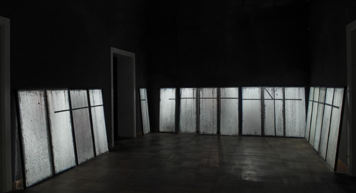 <!--:en-->Greenhouse 37, 2013, acrylic/ glass, 240 x 570 x 260 cm<!--:--><!--:hr-->Staklenik 37, 2013, akrilik/ staklo, 240 x 570 x 260 cm<!--:-->